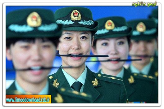 به این زن های پلیس اموزش لبخند میدهند + عکس ها